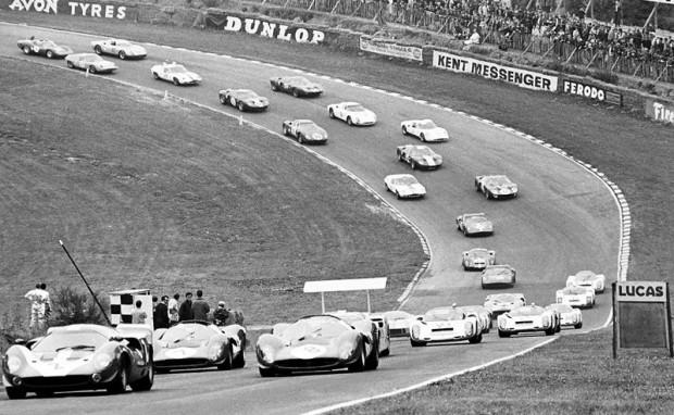 Opening lap of 1967 BOAC 500