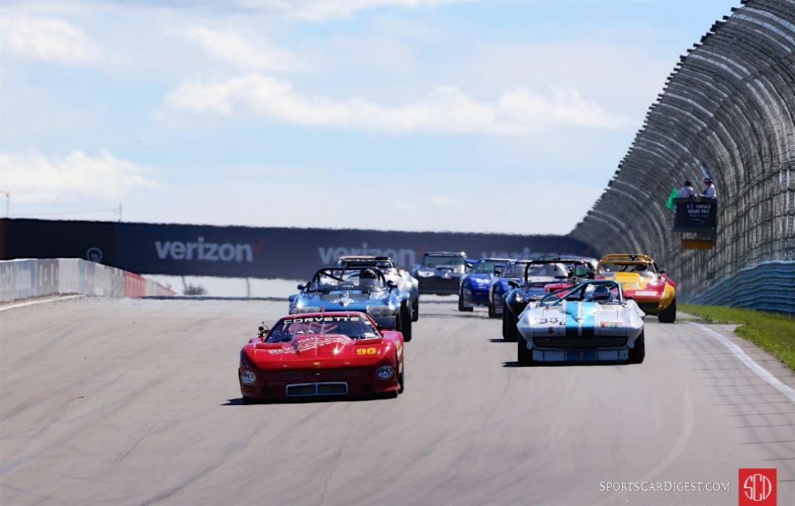 Start of the Corvette feature race