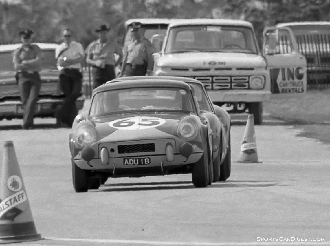 The Triumph Spitfire of Peter Bolton and Mike Rothschild had to retire due to an accident. (photo: Dave Nicholas)