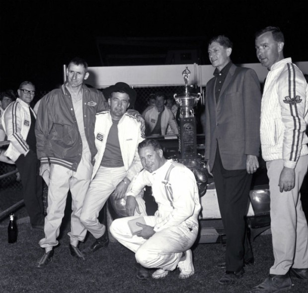 Shelby American team victorious at 1965 Daytona 2000km