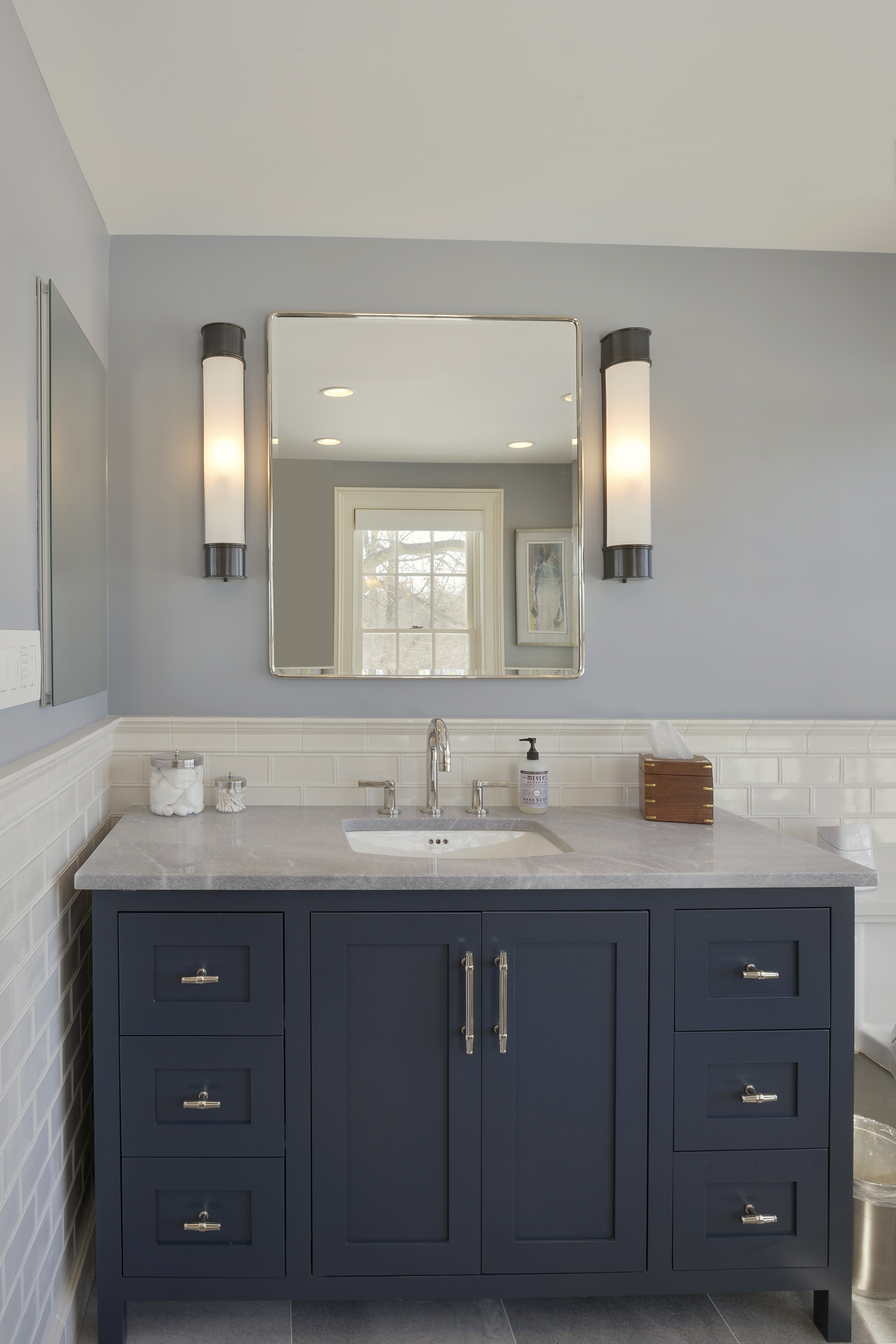 Bathroom Designs White Vanities