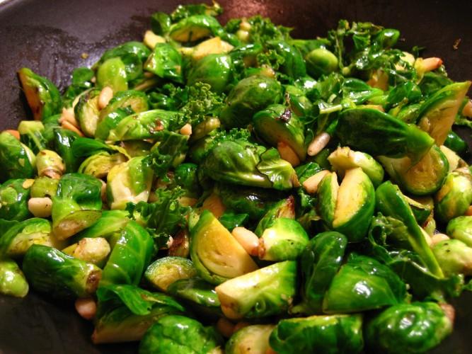 2126502705_ef6b6ebafc_b_brussel-sprouts