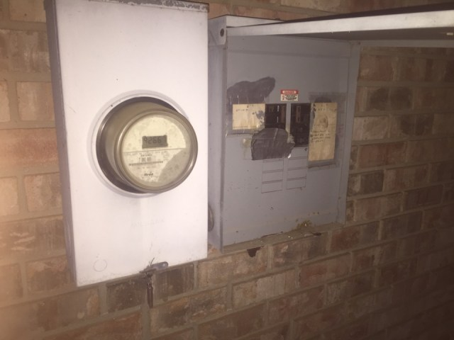 Destrehan, LA - 24 hour emergency repair in thanksgiving weekend,!replaced breaker and customer up and running
