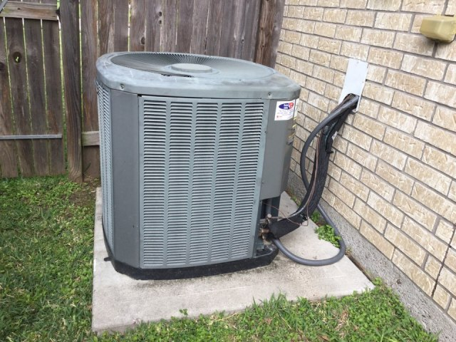 Bacliff, TX - Servicing trane condenser & gas furnace