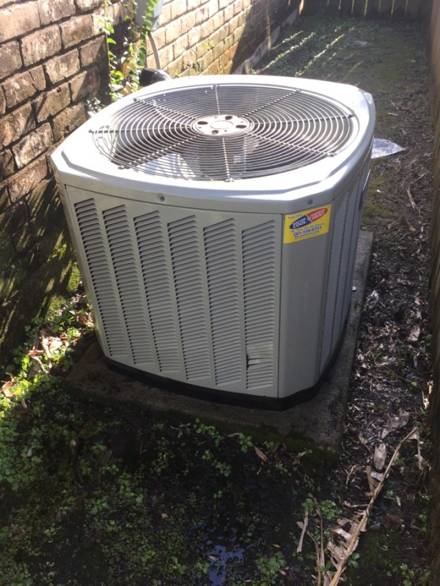 Houston, TX - Ac tune up on Trane unit cleaning and making sure unit is running good