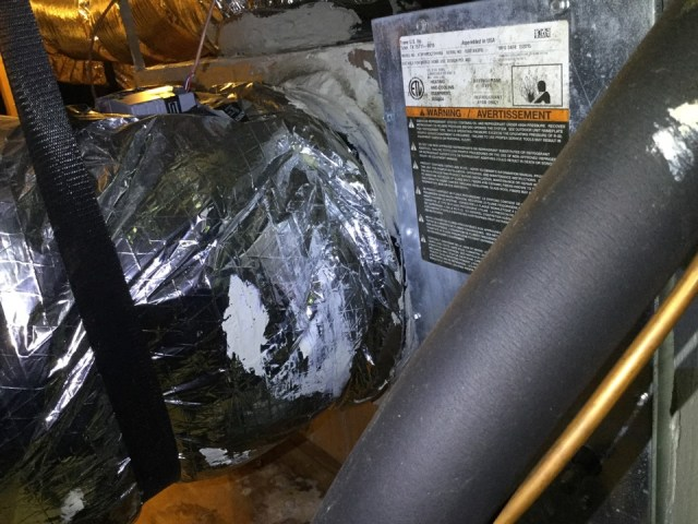 San Leon, TX - Conducting a service tuneup and maintenance on one air conditioning unit, checking the operational system of the unit, it's static pressures, it's electrical components and relays, sanitizing the unit for bacteria buildup in the condensation lines. Making repairs on any components or electrical parts that can impair the units normal operational efficiency. Performing a thorough AC repair and service.