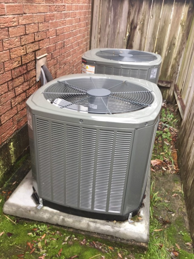 Pearland, TX - Tune up on Trane units in Pearland Tx