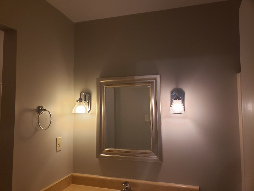 Raleigh, NC - Troubleshoot faulty bathroom lights due to faulty outlets in master bedroom