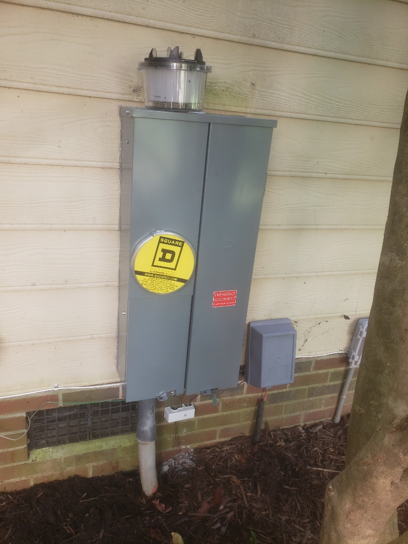 Cary, NC - Replaced old 200amp meter combo with a new 200amp square d meter combo
