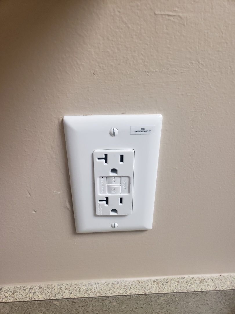 Raleigh, NC - Replace broken gfci outlet