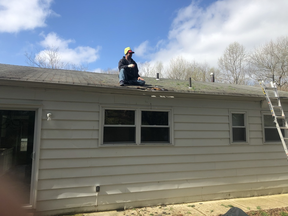 Riva, MD - Emergency repair after a tree fell onto the house