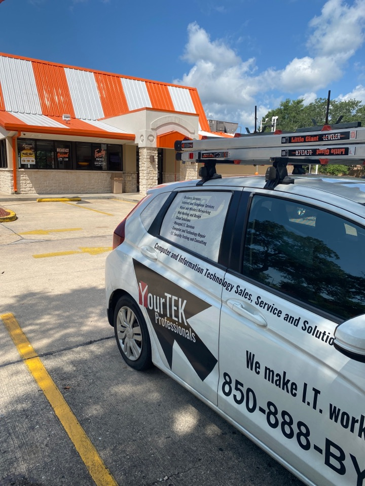Fort Walton Beach, FL - Checking on an offline register at this Whataburger in Fort Walton
