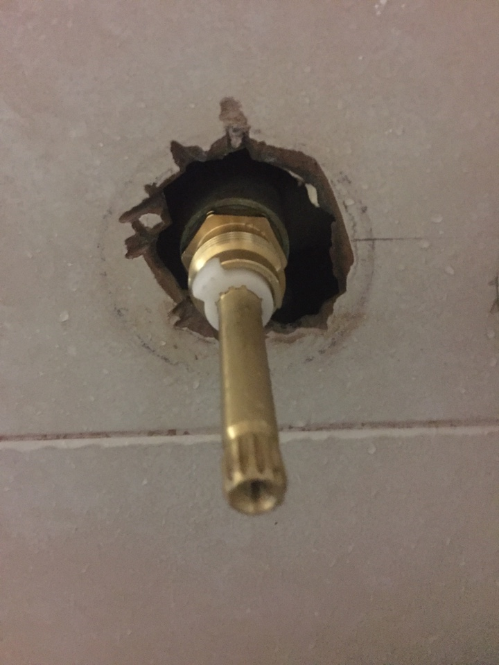 Richardson, TX - Tub shower leaking from spout in master bathroom. Install two new stem on hot and cold side. Richardson plumbers