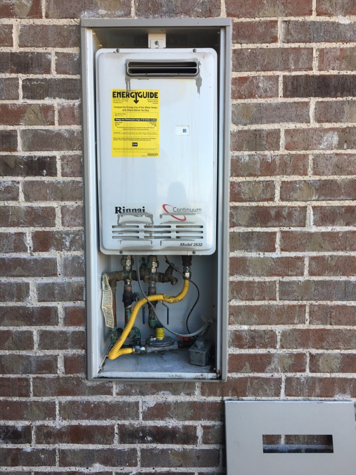 Heath, TX - Tankless water heater no hot water. Reset electrical breaker for Tankless to get power back on. Test gas line for leaks. No leaks at this time.