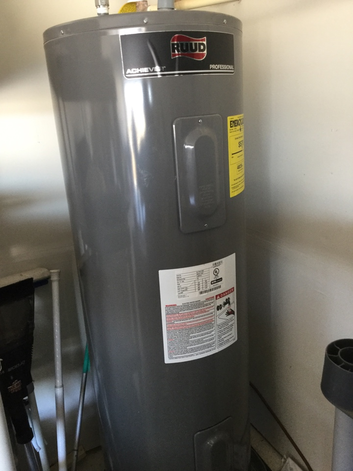 Royse City, TX - Electric water heater in garage not producing hot water. Install new upper and lower element and thermostats.  Rockwall plumbers.