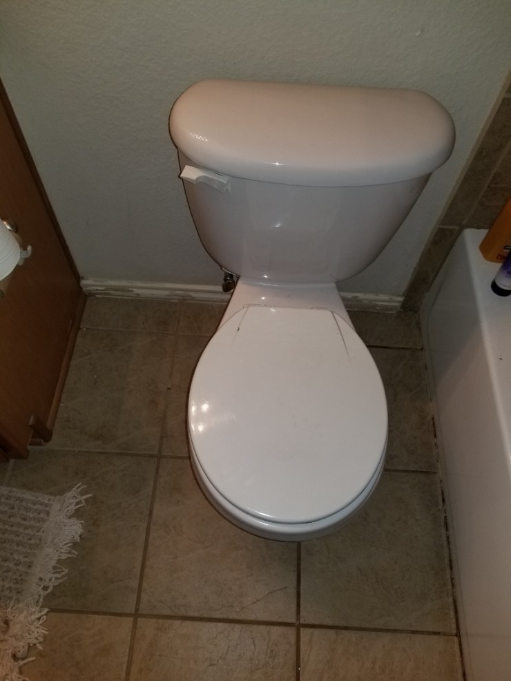McKinney, TX - Toilet leaking at base need repair. Install new wax ring and bolts to stop lake. Mckinney plumbers