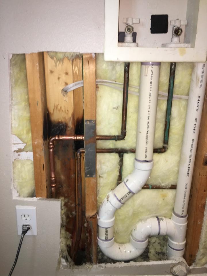 """Royse City, TX - Leak in wall, need plumbing repair. Repair leak in wall on 1/2"""" copper line"""