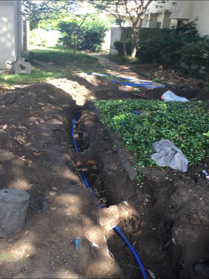 Rockwall, TX - Water leak in yard need plumbing repair. Install main water line. Rerouted around tree.