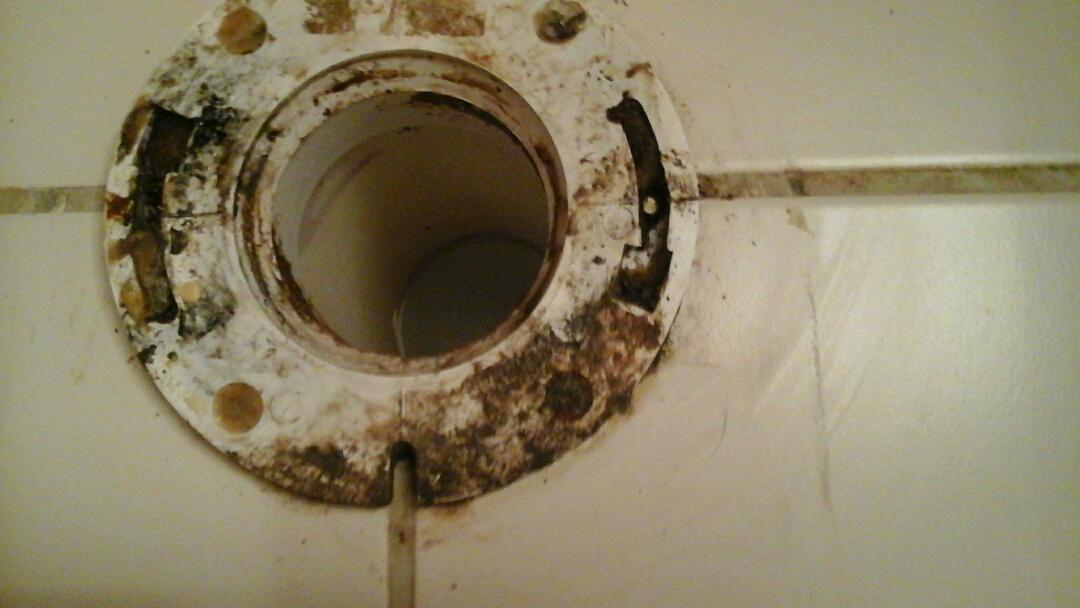 Midlothian, TX - Broken toilet flange