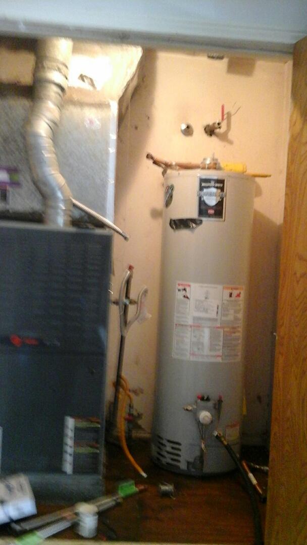 Dallas, TX - Leaking water heater