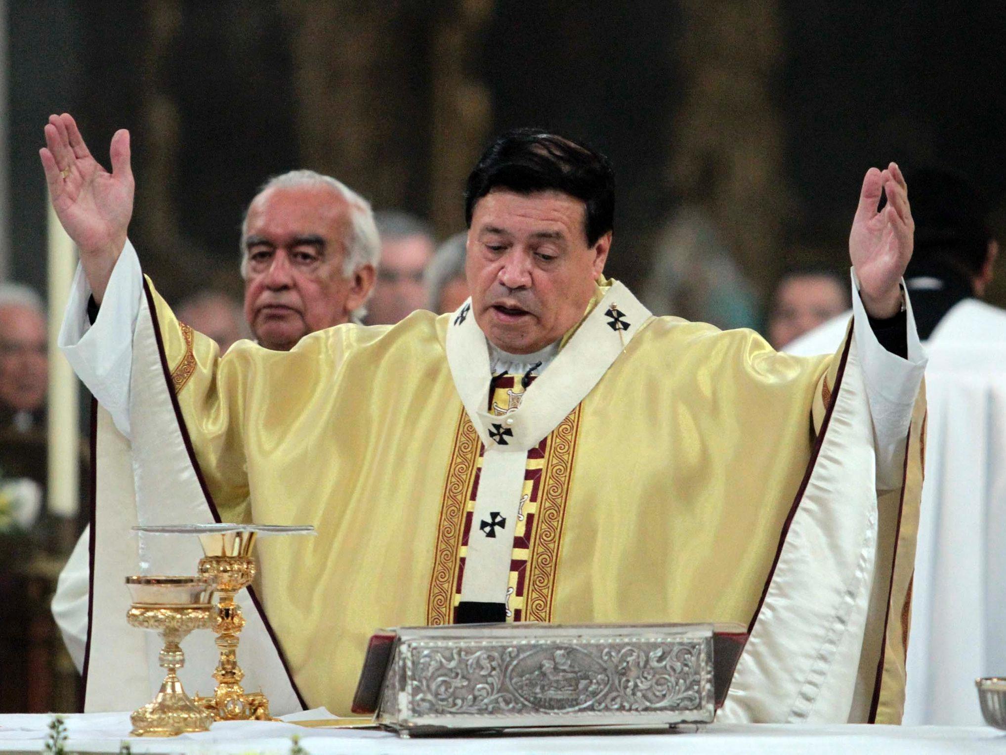 Cardenal Norberto Rivera celebra misa por la paz en Irak