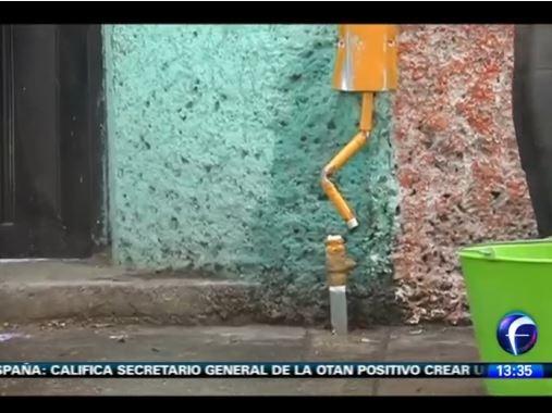 Grúa de la SSPDF provoca fuga de gas; desalojan 250 personas
