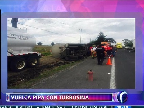 Vuelca pipa con turbosina en la carretera Atlacomulco-Toluca
