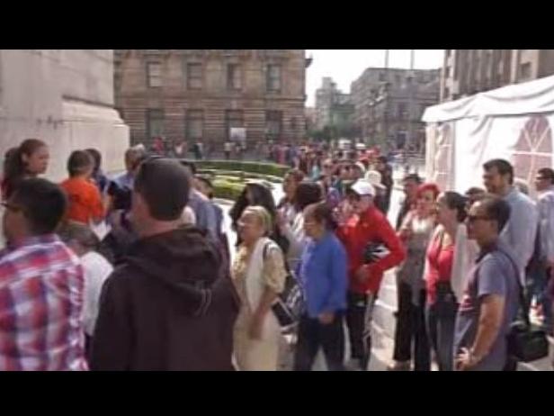 Largas filas para ver a Da Vinci y a Miguel Ángel en Bellas Artes