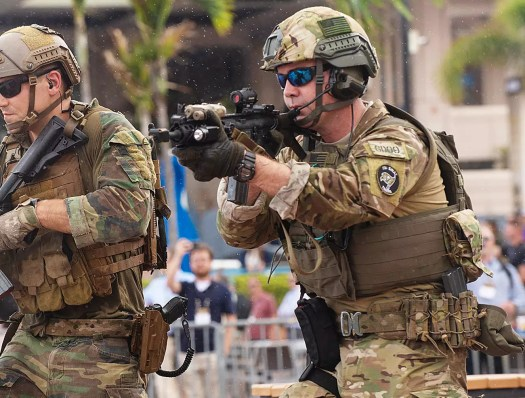 A member of the FBI's Tampa Field Office's SWAT Team takes part in the special operations demonstration during SOFIC 2018.
