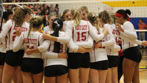 Volleyball ends successful season to the Laingsburg ...