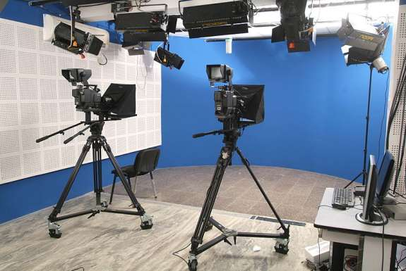 TV studio. Photo: Krish , Wikimedia Commons