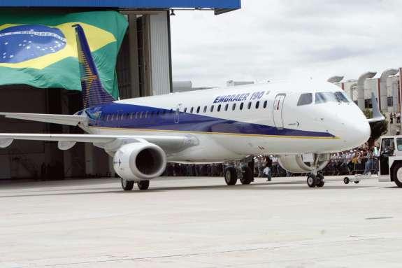 An Embraer 190 airplane. Photo: Antônio Milena/ABr - Agência Brasil