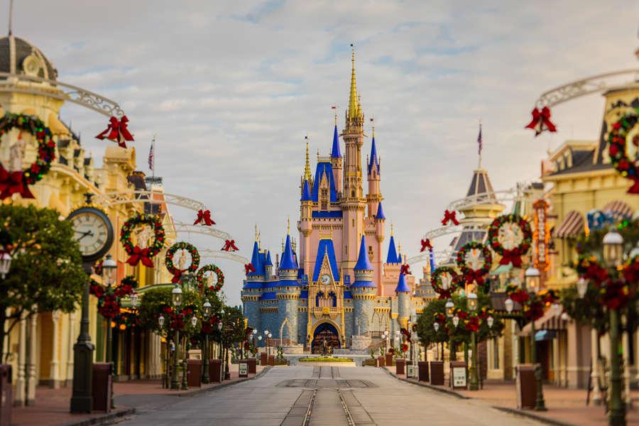 "Disney posts loss as parks remain closed"""