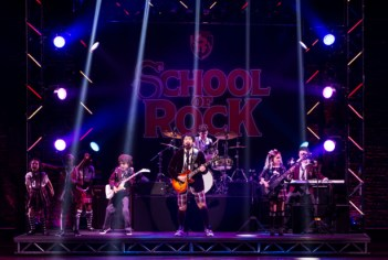 Alex Brightman (Dewey Finn) and the kids of School of Rock