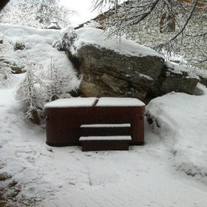 prepare-hot-tub-for-winter-storm