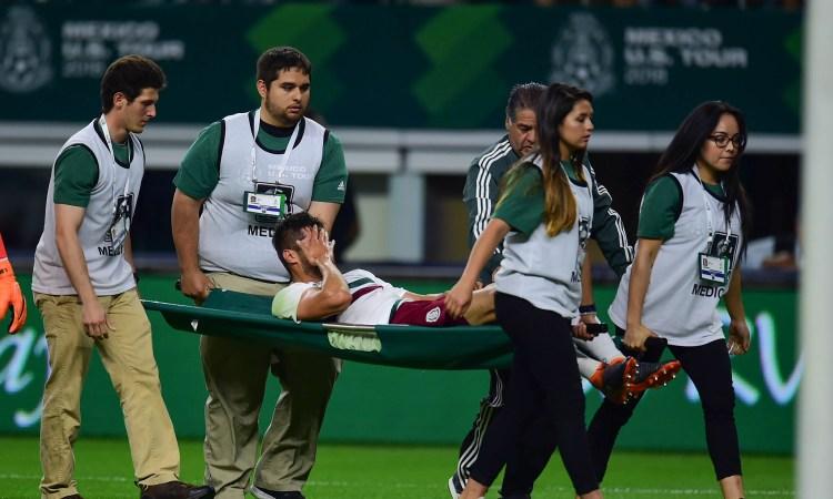 Néstor Araujo es baja en la Selección deMéxico
