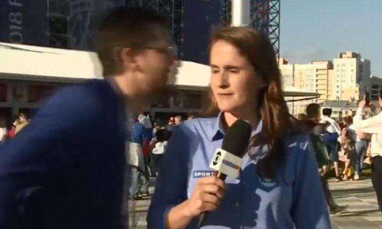 VIDEO: Acosan a reportera brasileña enRusia
