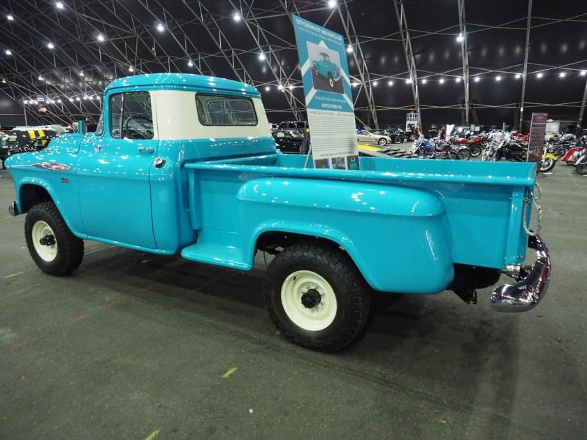 Camión GMC equipado con kit de conversión NAPCO 4x4