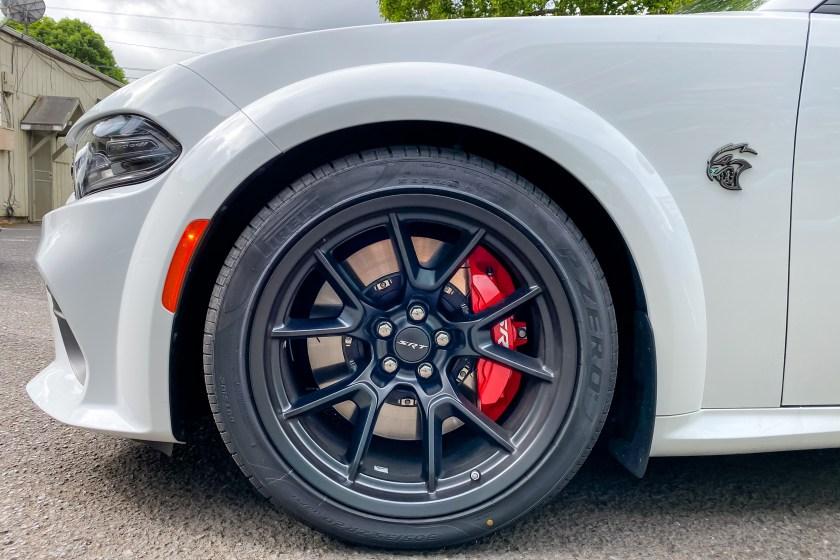 2021 Dodge Charger SRT Hellcat Redeye Widebody rueda delantera