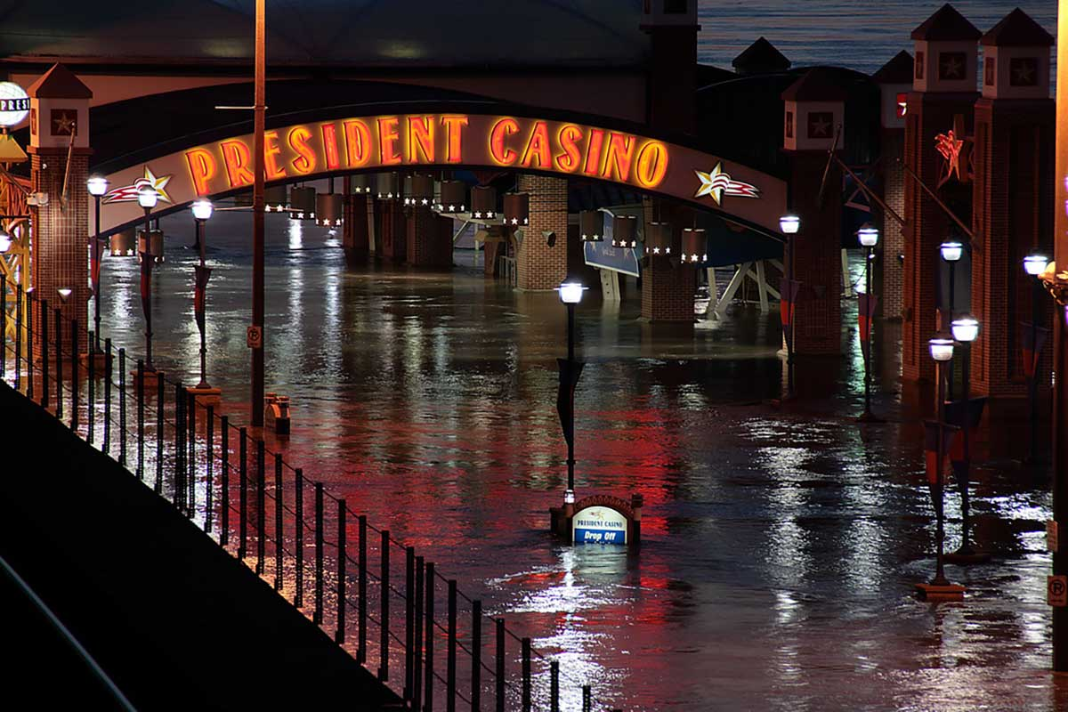 President Casino, which flooded in 2007 and again in 2008, was shuttered permanently in 2010. Its owner, Pinnacle, became the first gaming company in the state to formally recognize climate change as a risk. Other casino operators have yet to follow suit. (Brock Roseberry/Flickr)