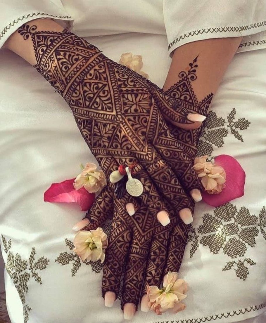 Applying mehndi increases charm on a bride's face and to her beauty as well. 13 Back Hand Mehndi Designs That Will Steal Your Heart Meesho