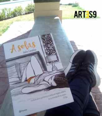 Libro A solas / Photo by Maira Mayola