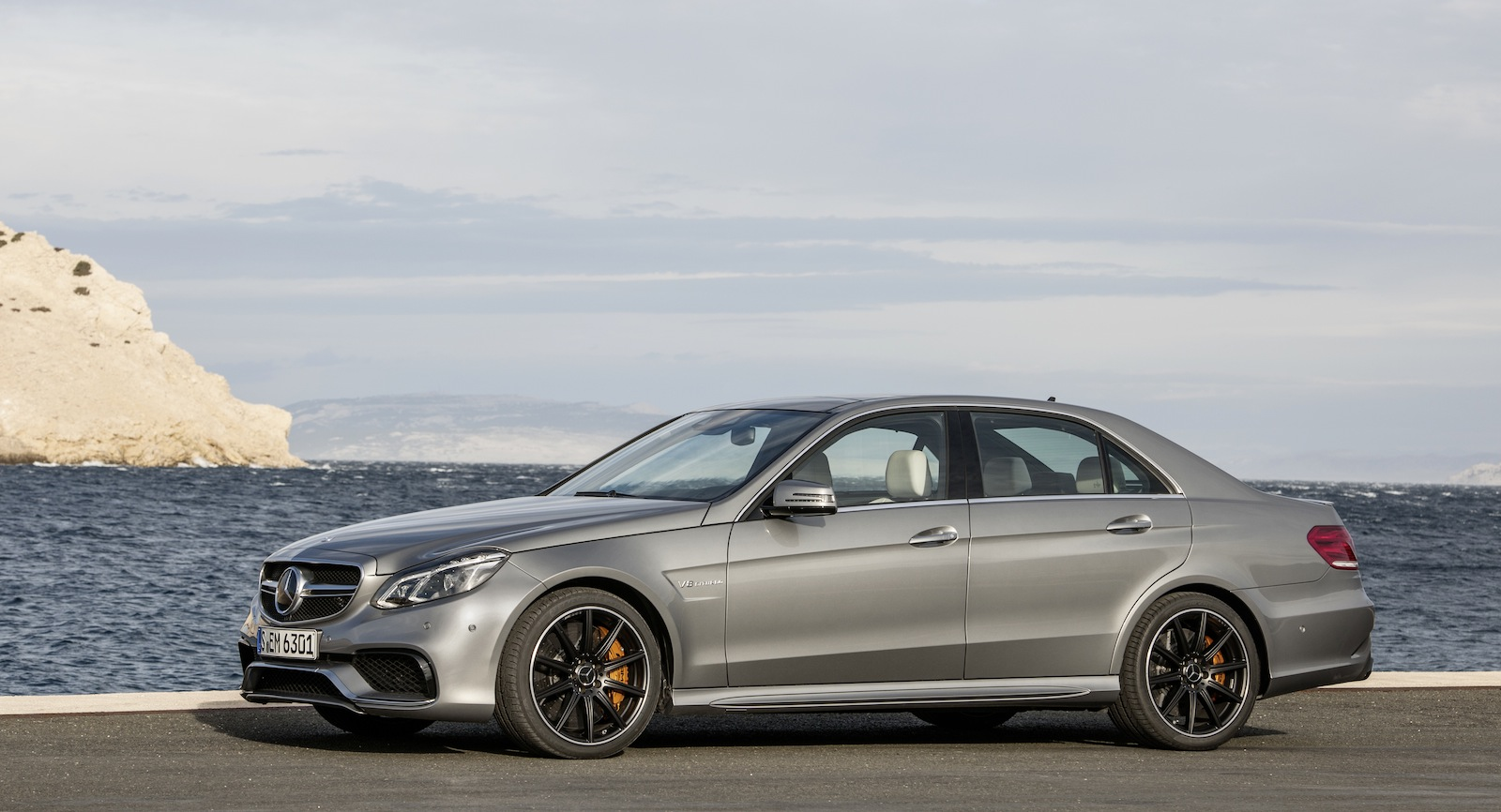 2013 Mercedes Benz E63 AMG 36sec 0 100kmh AWD Monster