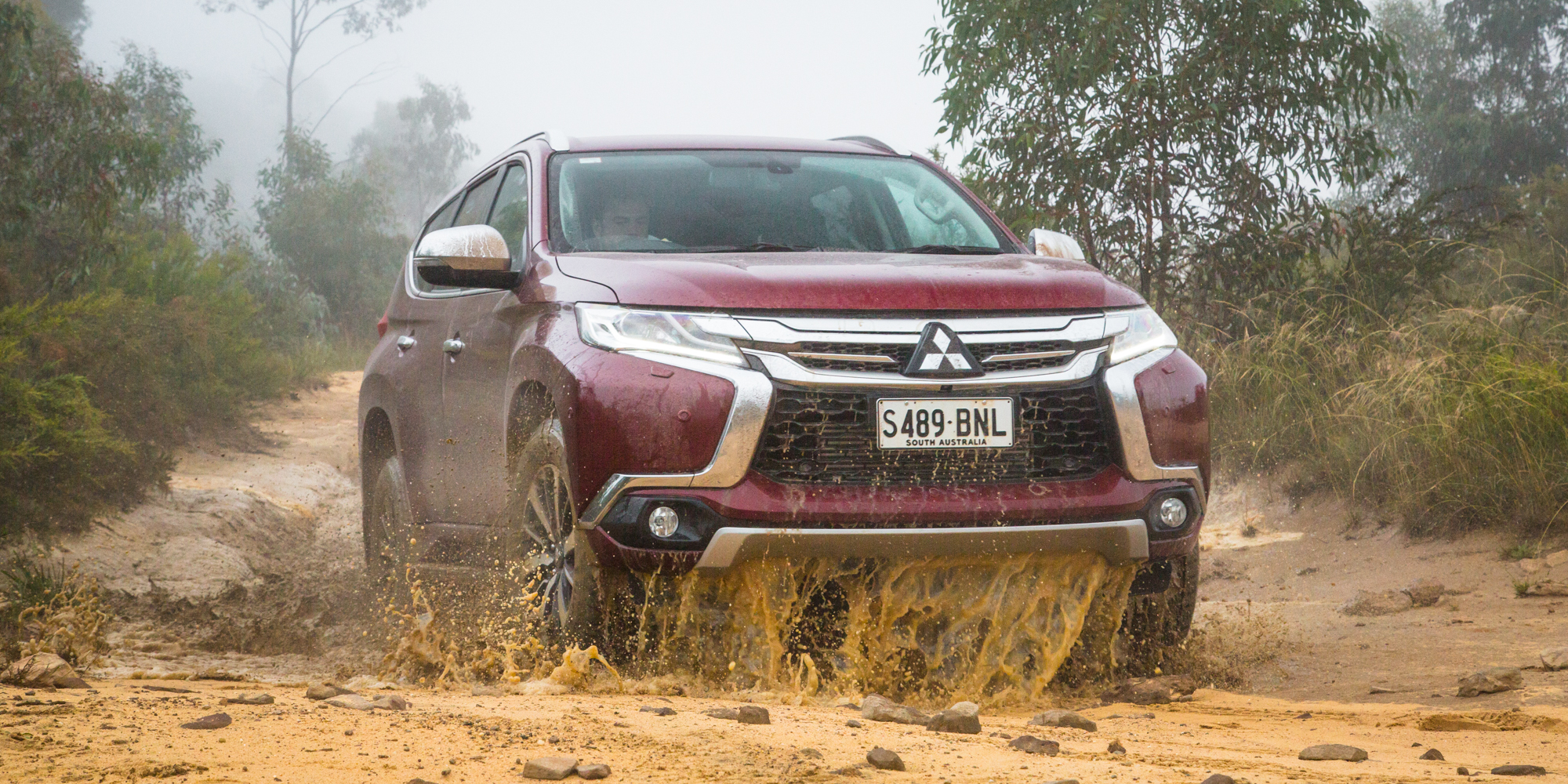 Mitsubishi draws parallels to Jeep Land Rover s 1 of 5
