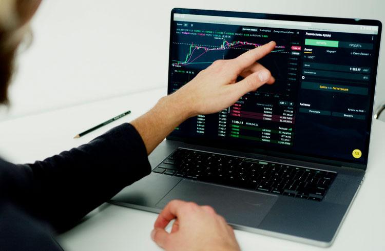 Mesmo com queda, trader segue otimista com 3 criptomoedas