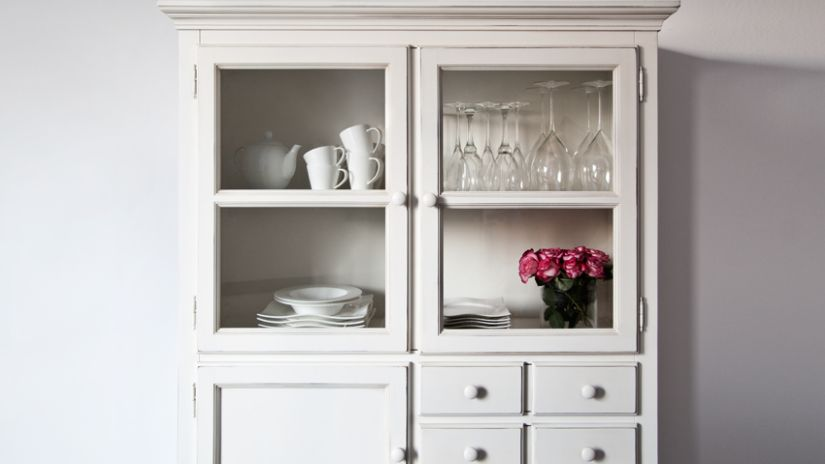 armoire de salon blanche vitree