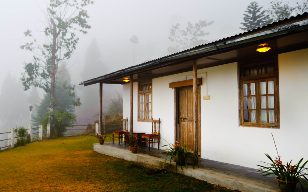 Village Style Home Design Papermalayume