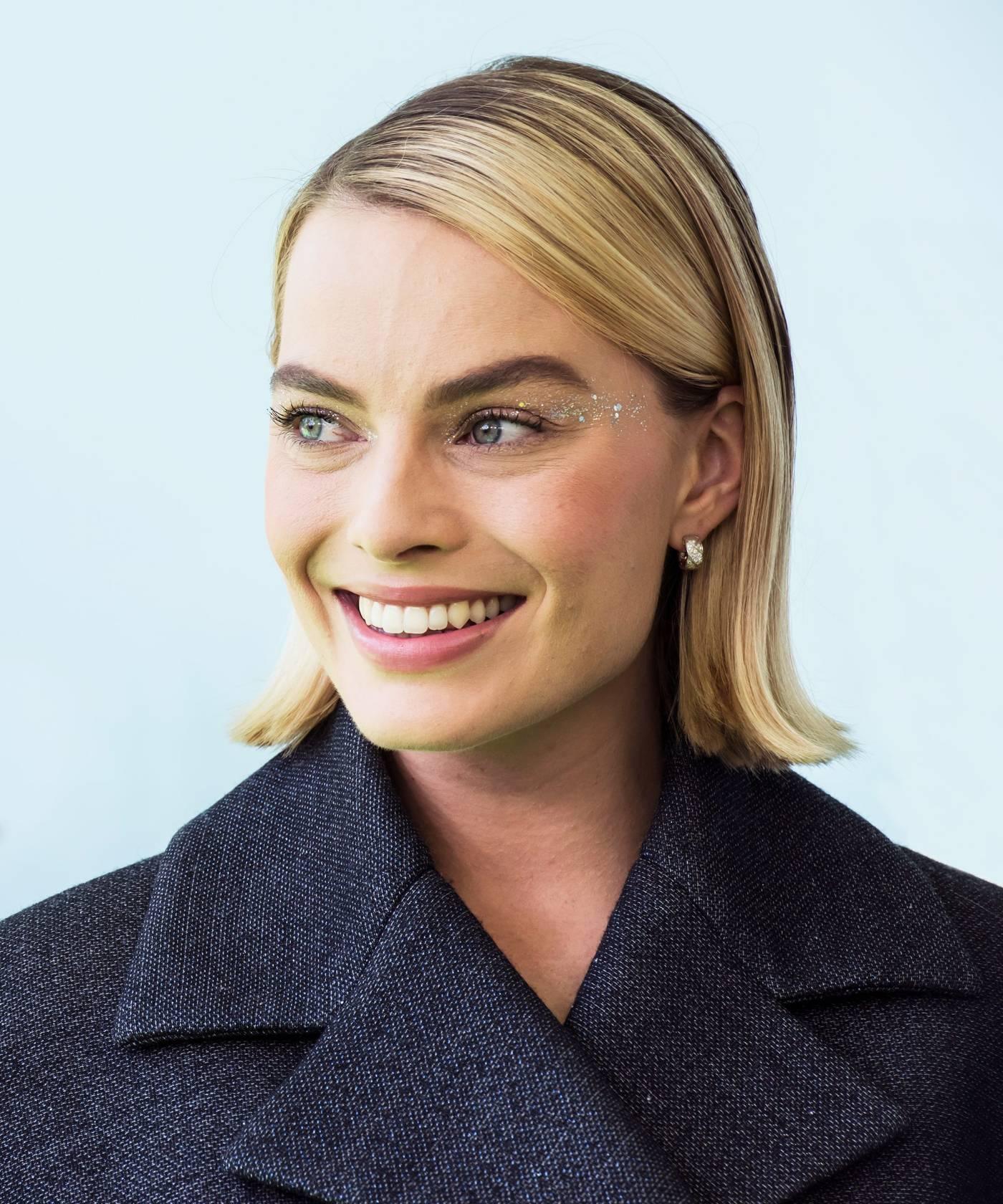 Image result for Glitter Lids: Margot Robbie makeup ideas