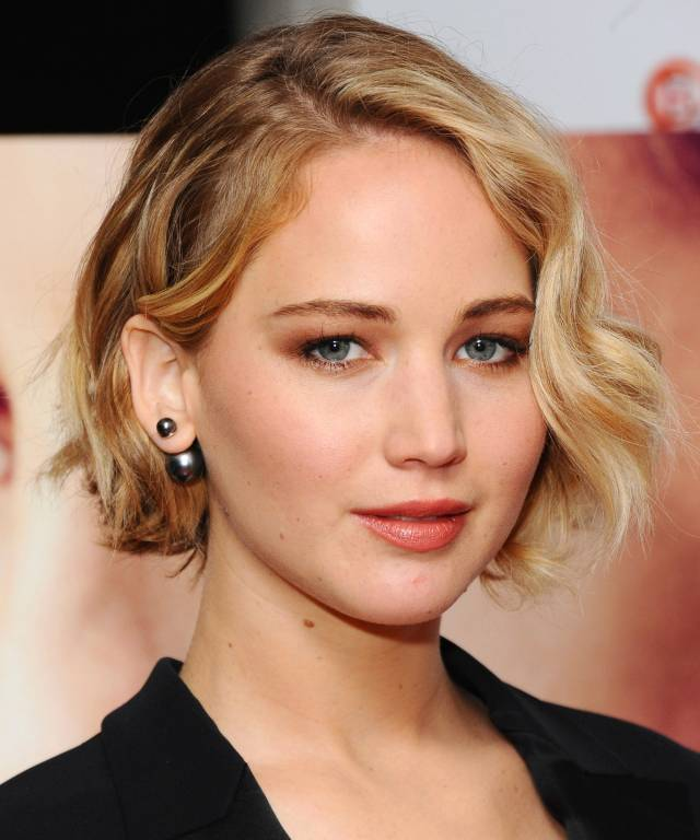 everyone in hollywood is getting this cut – & it's so flattering