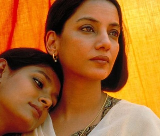 Shabana Azmi And Nandita Das Along With Their Director Deepa Mehta Receiving Death Threats And Censor Board Finally Banning The Movie In The Country